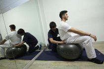 El Fitball como solución a los dolores de espalda en trabajos sedentarios.